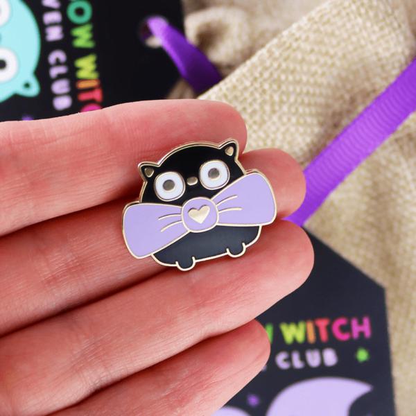 Witch black cat enamel pin